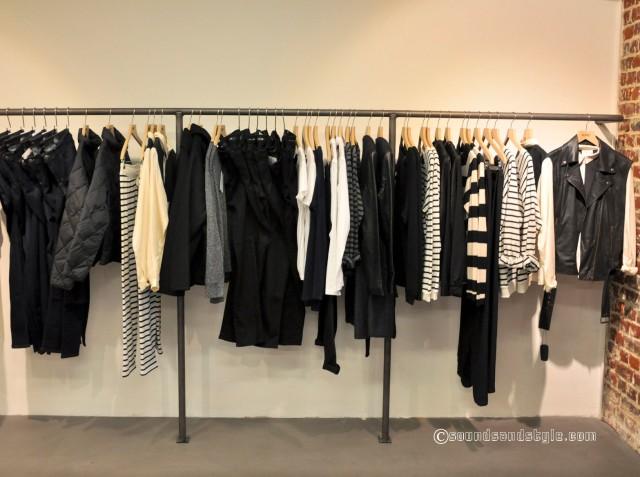 White & Black , plain or striped: the essential theme