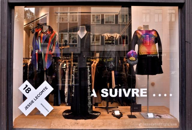 """Shop: """"A Suivre"""" Vitrine Jessie Lecomte Parcours Mode #13"""