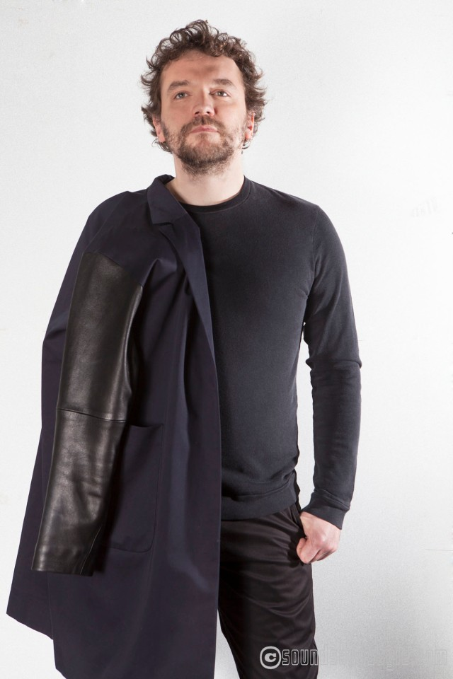 Manuel Roland (guitars) Applause: Coat from Jean-Paul Knott/T-shirt American Vintage